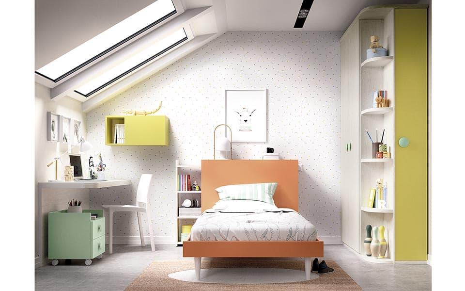 Habitación individual en color naranja