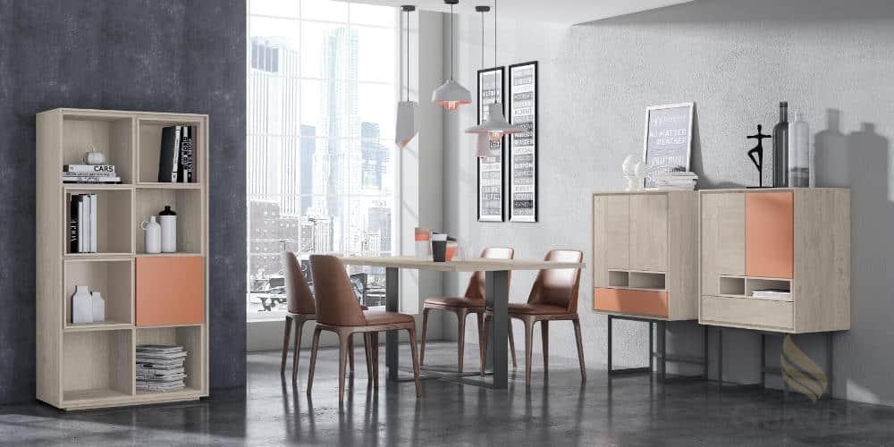 Comedor moderno con mesa y sillas de color