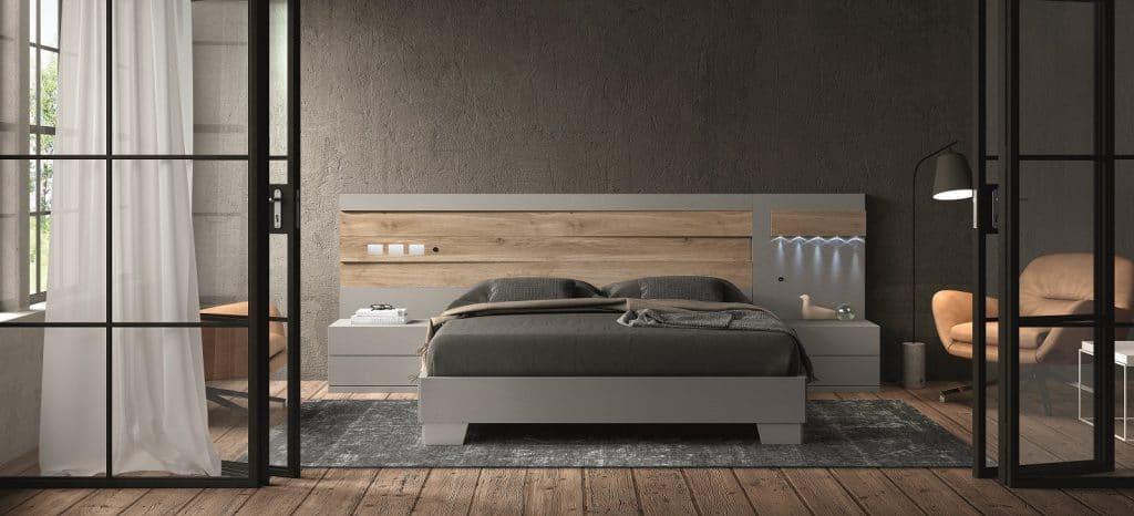 Cama y mesillas en madera y gris