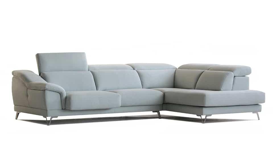 Sofá con Chaiseongue y cabezales reclinables