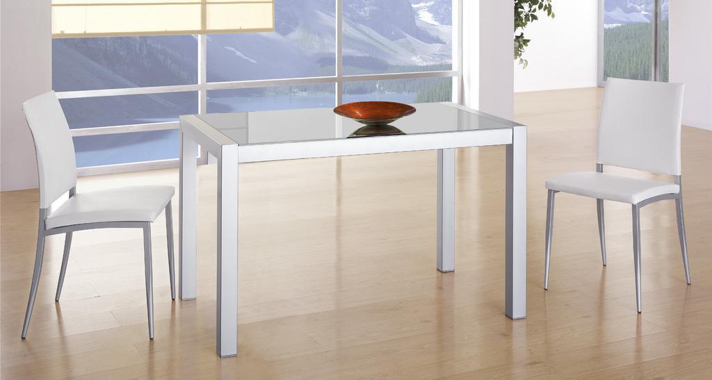 Mesa extensible con cubierta de cristal